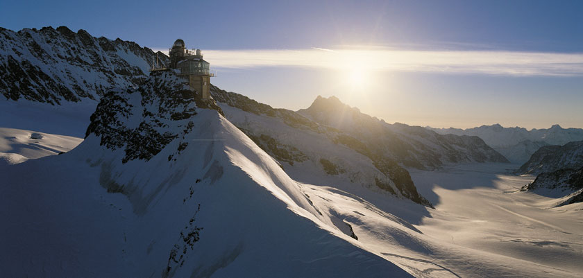 Switzerland_Jungfrau-ski-region_Grindelwald_Mountain-tops.jpg
